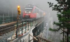 Abwicklung unter Verkehr, nur kurze Gleissperren möglich.