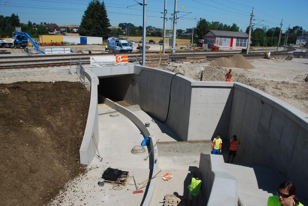 Rad- und Fussweg-Unterführung knapp vor Fertigstellung