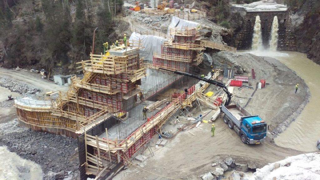 Baustelle im Hochbetrieb